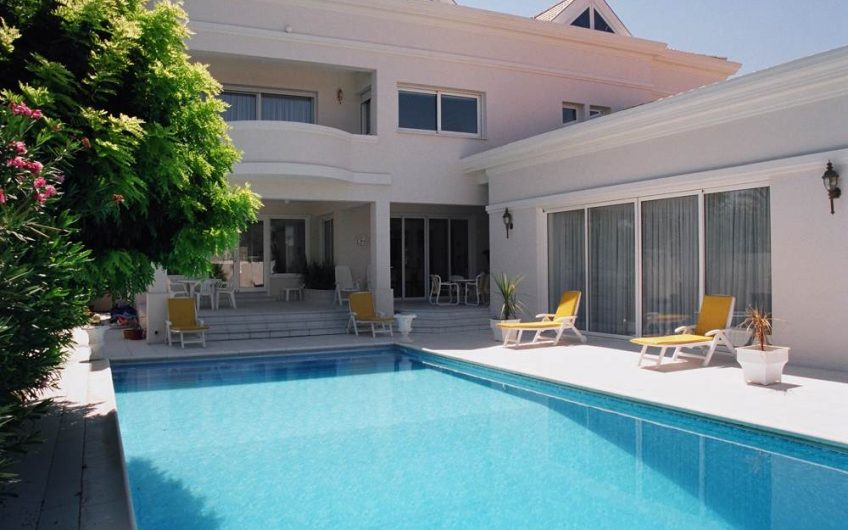 5 Bedroom Villa For Sale